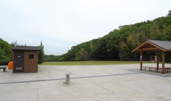 あわじ石の寝屋緑地16.JPG