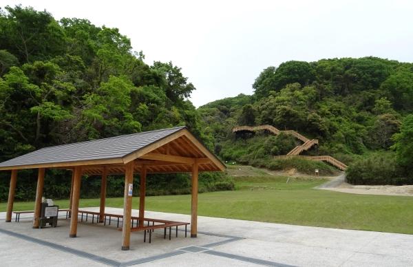 あわじ石の寝屋緑地21.JPG