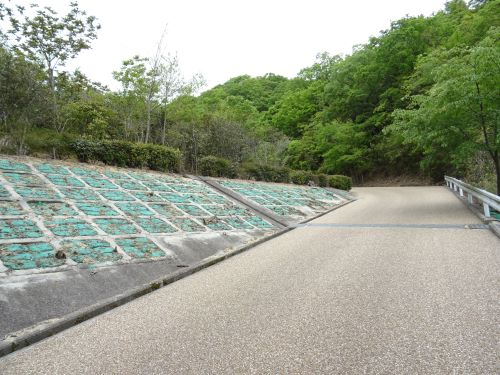 あわじ石の寝屋緑地8.JPG