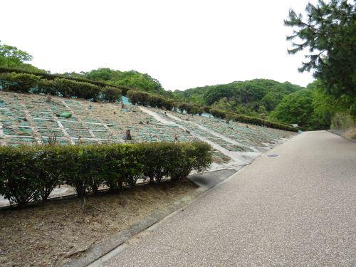 あわじ石の寝屋緑地9.JPG